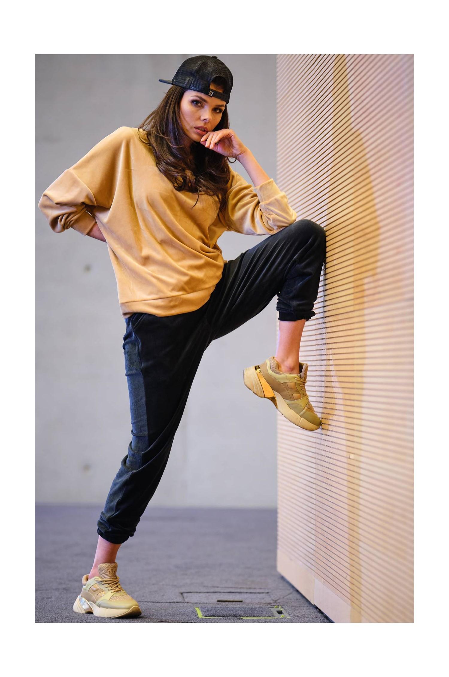A411 - Welurowe spodnie
